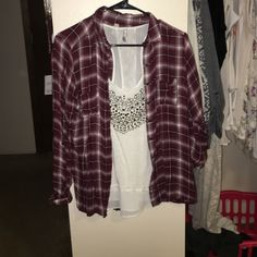 Maroon flannel Great condition! Vanity Tops Button Down Shirts