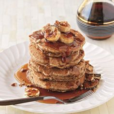 Banana Oatmeal Cookie Pancakes http://www.prevention.com/food/healthy-recipes/healthy-oatmeal-recipes/slide/2