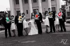 superhero wedding picture - Fantastic... hope my future hubby likes his super heros!