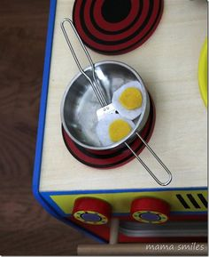 No Sew Felt Food - lovely for pretend play cooking, cafes, shops...