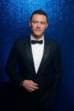 Luke Evans Photos Photos - (EXCLUSIVE ACCESS. PREMIUM RATES APPLY)  Luke Evans, wearing a Bulgari watch, poses backstage at the GQ Men of the year Award 2016 (german: GQ Maenner des Jahres 2016) at Komische Oper on November 10, 2016 in Berlin, Germany. - Backstage - GQ Men Of The Year Award 2016