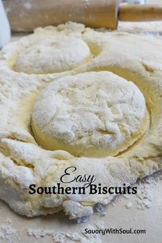 This Southern butter biscuits recipe was handed down to me by my mom. Great all by themselves with extra butter or with jam, honey, molasses, or gravy. Easy Baking Recipes, Bread Recipes, Cooking Recipes, Recipes With Biscuit Dough, Bisquit Recipes, Muffins, Homemade Biscuits Recipe, Easy Biscuits, Buttermilk Biscuits