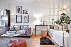 Minimalist Apartment Studio Decorating Ideas09 Cozy Apartment Decor, One Room Apartment, Small Apartment Design, Studio Apartment Decorating, Small Room Design, Apartment Layout, Apartment Interior, Apartment Living, Apartment Ideas