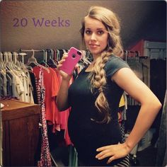 Jessa Seewald Shows Off 20 Week Pregnancy Bump - Daily Two Cents Duggar Pregnant, 20 Weeks Pregnant, Pregnancy Bump, Pregnancy Photos, Weekly Pregnancy, Celebrity Gossip, Celebrity News, Duggar News, Duggar Girls