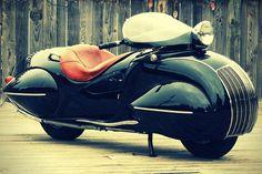 オシャレすぎる!アールデコ調に改造した曲線が美しいバイク – Art Deco 1930 Kj Henderson