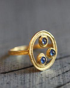 Bague Céleste 3 Saphirs {Celestial Ring w/ 3 Sapphires} : atelier-bijoux-createurs