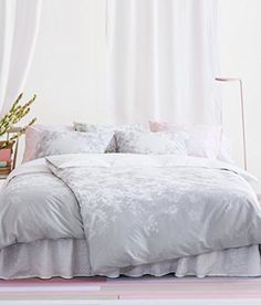 French Country Floral Border Duvet Quilt Cover 3pc Set King or Queen 100% Cotton Grey White Gray Leaves Silhouette Floral Garden Branches (King) Duvet Cover Set http://www.amazon.com/dp/B00ZPKYBRS/ref=cm_sw_r_pi_dp_7PGGvb1S2J7RX