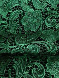 Dunkles Flaschengrün (Farbpassnummer 7) Kerstin Tomancok / Farb-, Typ-, Stil & Imageberatung