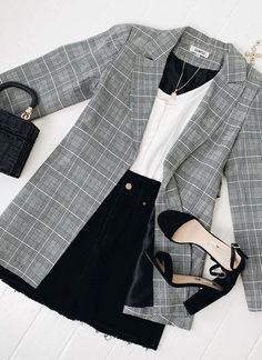 outfits over 40 casual for women \ outfits over 40 ; outfits over 40 women ; outfits over 40 winter ; outfits over 40 casual ; outfits over 40 spring ; outfits over 40 casual for women ; outfits over 40 summer ; outfits over 40 plus size Summer Fashion Outfits, Fall Outfits, Summer Work Outfits, Summer Fashions, Classy Outfits, Trendy Outfits, Simple Edgy Outfits, Chic Outfits, Casual Outfits For Girls