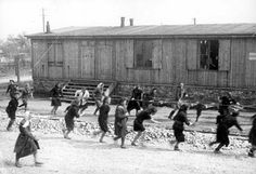 Women at forced labor in Plaszow