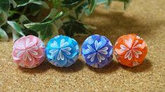 クラフトパンチで作る可愛い小花のくす玉の作り方 | 見たものクリップ Origami Paper, Paper Flowers, Diy And Crafts, Succulents, Plants, Handmade, Wedding Ideas, Illusions, Paper