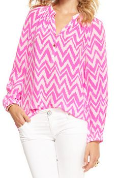Lilly Pulitzer Elsa Top Lilly Pulitzer hot pink and white chevron. Summer Outfits, Cute Outfits, Silk Tunic, Lilly Pulitzer Tops, Ulla Johnson, Cute Shirts, Love Fashion, Luxury Fashion, Dress To Impress