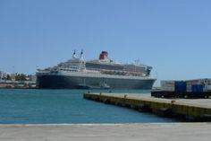 """Στον Πειραιά τα πλοία """"Queen Elisabeth"""" και """"Queen Mary"""""""