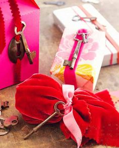 Vintage Key Gift Wrapping-Cute Touch