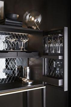 Gallotti and Radice Tama Bar Cabinet in Black Open Pore Lacquered Ashwood 6 Drink Bar, Bar Drinks, Bar Furniture, Luxury Furniture, Furniture Design, Hotel Minibar, Bar Unit, Modern Home Bar, Luxury Bar