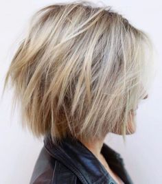 Short Blonde Shag Haircut Kurzer blonder Shag-Haarschnitt , Short Blonde Shag Haircut , hair styles n color Source by shellynelsoniba. Shaggy Haircuts, Short Hairstyles For Thick Hair, Layered Bob Hairstyles, Haircut For Thick Hair, Shaggy Bob, Trendy Haircuts, Blonde Hairstyles, Wedding Hairstyles, Balayage Hairstyle