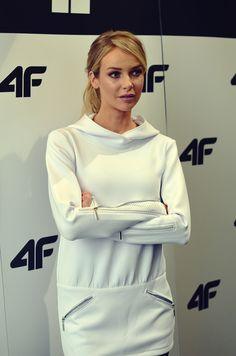 4F sezon jesień-zima 2015/2016 z Magdaleną Mielcarz <3  __ Zobaczcie co o najnowszej kolekcji mówi popularna modelka: http://feszyn.com/4f-sezon-jesien-zima-20152016-z-magdalena-mielcarz/ #4f #moda #fashion #modelka
