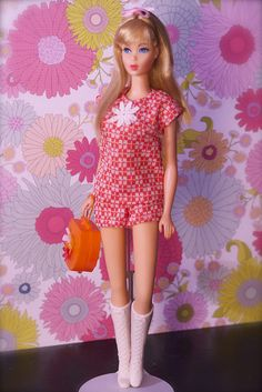 Vintage Barbie - Mod Era Twist n' Turn Barbie - Blonde