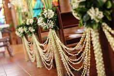 flower chain or pearls/beads