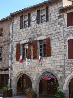 Castelnau-de-Montmiral: prachtige plein met arcades in de Tarn Arcade