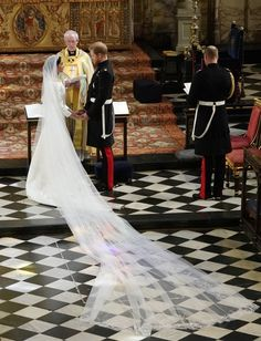 Prince Harry and Meghan Markle stand at the altar at St George's Chapel on May 2018 in Windsor, England. Get premium, high resolution news photos at Getty Images Royal Wedding Prince Harry, Harry And Meghan Wedding, Harry Et Meghan, Prince Harry And Megan, Meghan Markle Wedding Pictures, Meghan Markle Wedding Dress, Evening Dresses For Weddings, Designer Wedding Dresses, William Harry