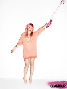 Ellie Goulding - Pink Hair...so, in high school, after ive gone to film camp...this is what im gonna do with my hair. gonna die it light pink