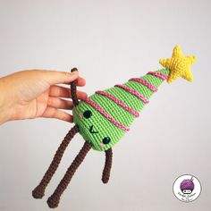 Hello everyone!  I want to introduce you to a tree very kawaii and so cute so that you can kniting it and decorate the little corner that y...