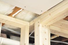 How to Install Drywall (with pics): Hanging, Taping, Finishing Hanging Drywall, Drywall Screws, Basement House, Basement Bathroom, Installing Vinyl Plank Flooring, Drywall Installation, Building A Shed, Basement Remodeling, Woodworking Shop