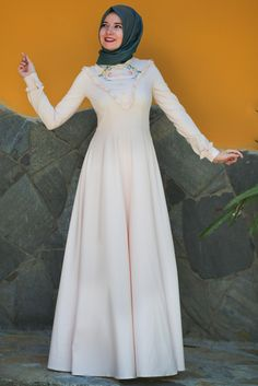 Hilal Baş Pudra Kanaviçe Elbise