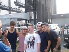 Matthew met the Big Time Rush!    Thank you to all that helped make Matthew's wish come true. Danny Aguilar from the Delaware State Fair, Lilah from the Big Time Rush, Tammy and Dottie from Lovin Life Limo's and Keith from Texas Roadhouse. Thank you all so much!