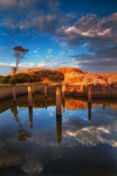 Yarwondutta Rock, South Australia www.ustoa.com #TravelTogether