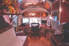 Sierra Trailer Restoration / 1968 Airstream Safari Twin Lounger Office and Guest Room Conversion
