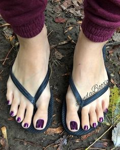 64 ideas nails toe flip flops for 2019 Pretty Toe Nails, Cute Toe Nails, Pretty Toes, Feet Soles, Women's Feet, Pies Sexy, Purple Toes, Nice Toes, Foot Pics