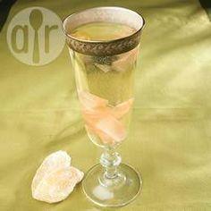 Cocktail au champagne et au gingembre @ allrecipes.fr