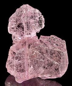 Deep pink Kunzite / Vanderberg Mine, Hiriart Mountain, California