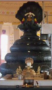 Shiva-Lingam-At-Katyayani-Temple,-Delhi