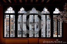Canale veneziano grande, Venezia, Italia di palazzo della finestra