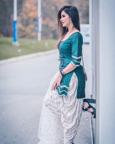 Punjabi Girls, Punjabi Dress, Simple Indian Suits, Patiyala Dress, Patiala Suit Designs, Bride Suit, Beautiful Girl Body, Cute Girl Poses, Stylish Girl Pic