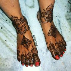 ideas party makeup engagement for 2019 Mehndi Party, Bridal Mehndi, Mehendi, Food Table Decorations, Diy Party Decorations, Party Makeup, Bridal Makeup, Engagement Makeup, Beautiful Henna Designs