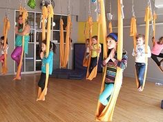 Yoga for Kids: What Yoga Poses are best for My Child? Kids Indoor Gym, Kids Gym, Yoga For Kids, Exercise For Kids, Chico Yoga, Gymnastics Room, Kindergarten Design, Home Daycare, Gym Room