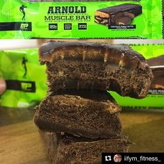#Repost @iifym_fitness_ with @repostapp  Afternoon snack today:  @musclepharm chocolate peanut butter Arnold bar from @tnutrition  I've always had a soft spot for this particular bar as well as the cinnamon bun flavour in the range since they were released a while back this is the first one I've had in about a year though.  Hefty bar at 90g. On opening nice dark chocolate coating with strong cocoa aroma.  Texture wise these have an old school protein bar feel about them but in a good way if…