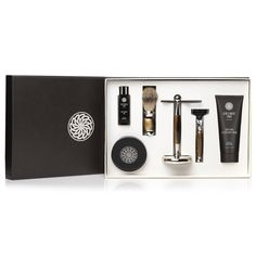 An elegant collection of both shaving and skincare products. A great way to experience Gentlemen's Tonic's best sellers and to gift someone with the ultimate luxury gift, all presented in a stunning box. The gift set includes: Gentlemen's Tonic Mayfair Shaving Set consists of a shaving brush, razor and stand. Gentlemen's Tonic Babassu & Bergamot Pre-shave Oil 50ml is an essential part of your shaving routine helping to prepare and protect the skin. By using this under your shave cream it act Shaving Gift Set, Shaving Oil, Shaving Brush, Best Shave, Pre Shave, After Shave Balm, The Ultimate Gift, Spa Gifts, Men's Grooming