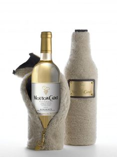 Luxury Promotional Packaging by Mouton Cadet at Bon Marche, Paris - Promotional Products. Cool Packaging, Luxury Packaging, Beverage Packaging, Bottle Packaging, Brand Packaging, Packaging Design, Product Packaging, Wine Bottle Design, Wine Label Design