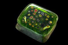 """""""Primavera"""" - porta-jóias em vidro artesanal importado, peça única e assinada.    R$555.00 Clique na foto p/ entrar na página da peça e ver mais fotos e informações como tamanho."""