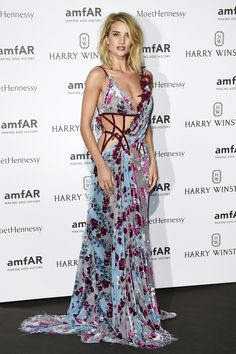 Rosie Huntington-Whiteley in an Atelier Versace gown.