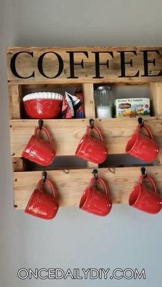 DIY Wood Pallet Coffee Cup Holder cute idea to use old pallet Tea holder Craft to make for the kitchen is part of Pallet diy - Diy Wood Pallet, Wooden Pallet Projects, Diy Pallet Furniture, Wooden Diy, Small Pallet, Pallet Benches, Pallet Tables, Outdoor Pallet, Furniture Ideas
