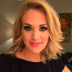Carrie Underwood Cut Her Hair! See Her Cute New Shoulder-Grazing 'Lob' http://stylenews.peoplestylewatch.com/2015/12/09/carrie-underwood-new-haircut-bob/