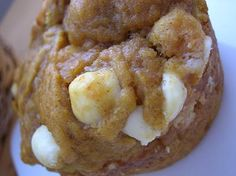 These easy Pumpkin White Chocolate Chip Muffins are loaded with spices and white chocolate chips and make a delicious fall treat. Just Desserts, Delicious Desserts, Dessert Recipes, Yummy Food, Pumpkin Recipes, Fall Recipes, Sweet Recipes, Chocolate Pumpkin Muffins, Chocolate Chips