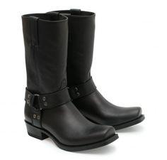 En los territorios del oeste de Australia este tipo de botas solo se venden bajo juramento de hacer el bien y proteger al débil, tal es la elegancia que proporcionan. #Sendra #Boots #Botas #Man #Trend