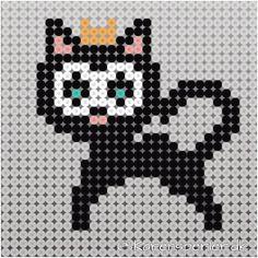 Fatelavnspynt i Hama perler Hama Beads Design, Hama Beads Patterns, Beading Patterns, Rainbow Costumes, Knitting Charts, Perler Beads, Diy For Kids, Pixel Art, Diy And Crafts